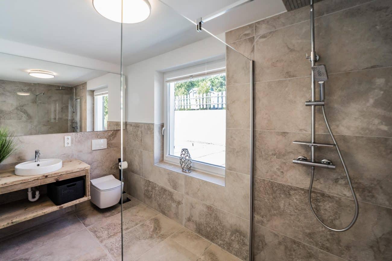 709 Bad Dusche 1.min